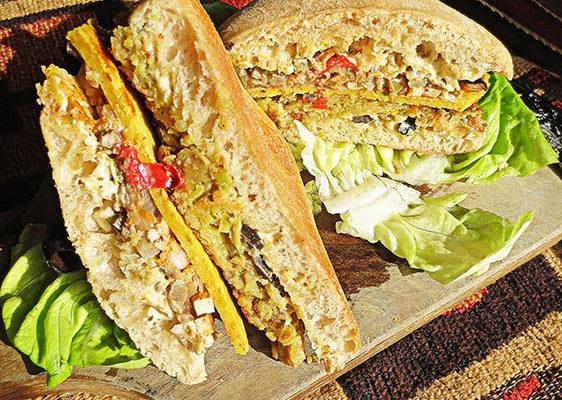 Sandwich argentin « Lomito » (en version végétalienne)