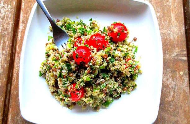 Salade de quinoa, lentilles et sumac