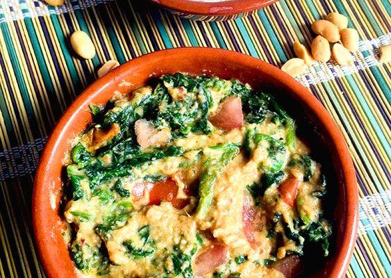 Ragoût d'Epinards au Beurre de Cacahuètes (Gambie)